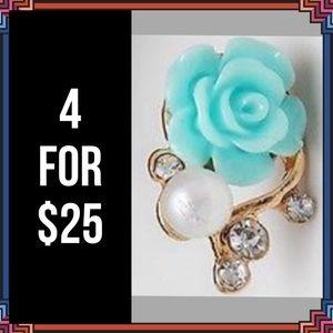 Jewelry - 4 FOR $25 🎁🎄🍾🥂 Blue/Green Rose Earrings